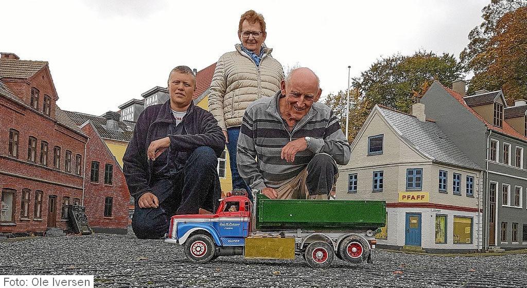 Lastbilræs i lillebyen